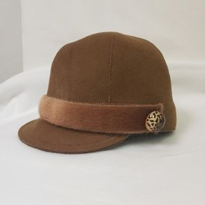 Accessories - Vintage retro looking hat - never used